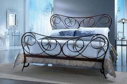 Двуспальная кованая кровать