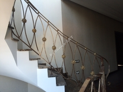 Перила кованые для винтовой лестницы