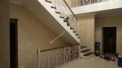 Кованые перила для лестницы на второй этаж