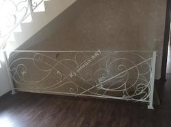 Кованые перила для лестницы с кованым поручнем