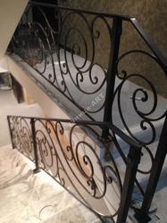 Кованые ограждения для лестницы на второй этаж