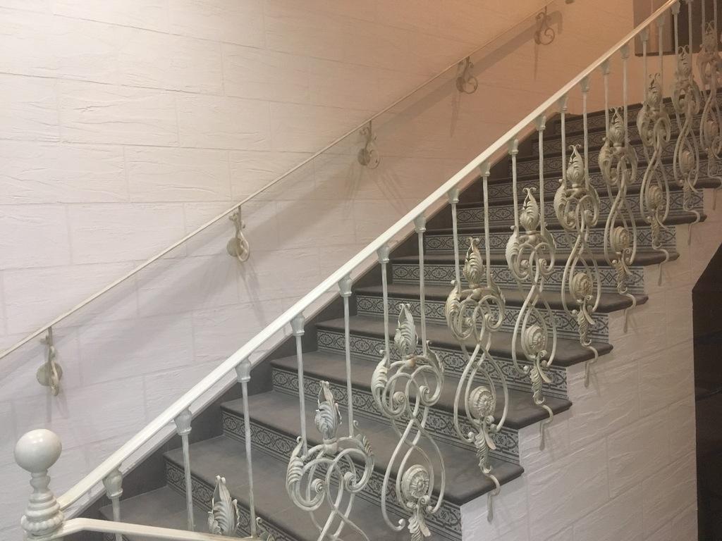 Кованые балясины ручной работы