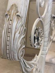 Классические кованые перила с поручнем из ясеня