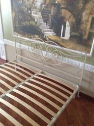 Кованая кровать ручной работы