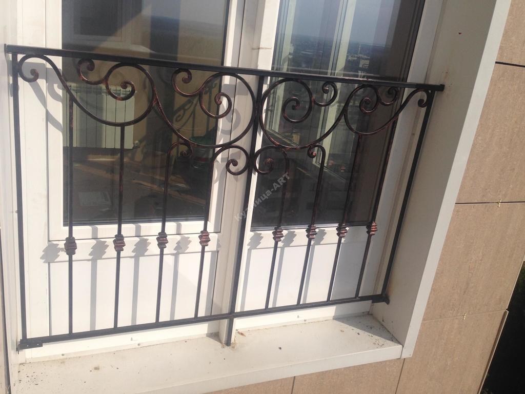 Внешнее ограждение панорамного окна
