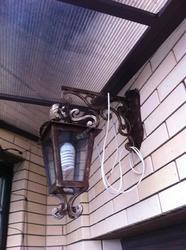 Кованый уличный светильник