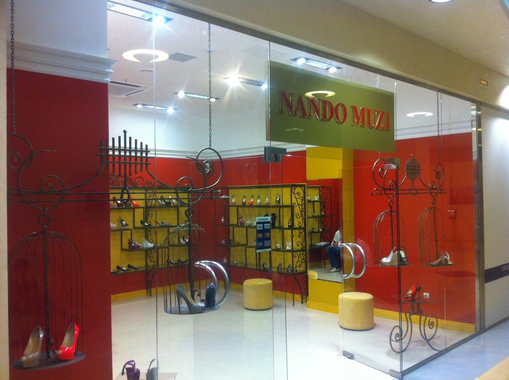 Кованая мебель для магазина Nando Muzi