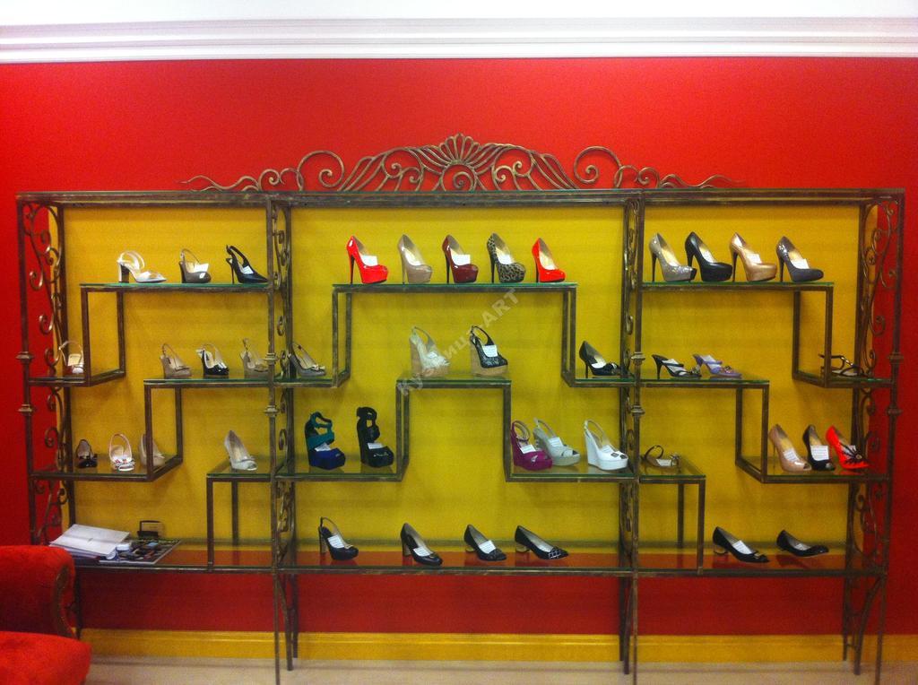 Кованая полка для обуви