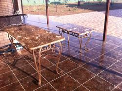 Кованые столы с мрамором