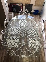 Кованый стол и стулья