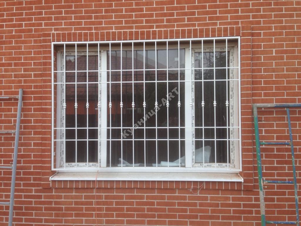 Решетки на окна с литыми вставками