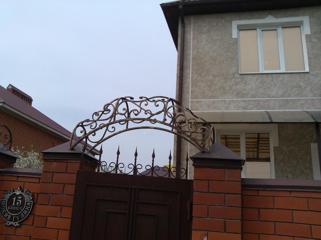 Объемные навершия на ворота и калитку
