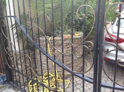 Кованые ворота для гостиницы