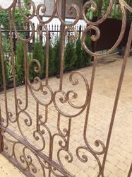 Кованые ворота, пробитый квадрат