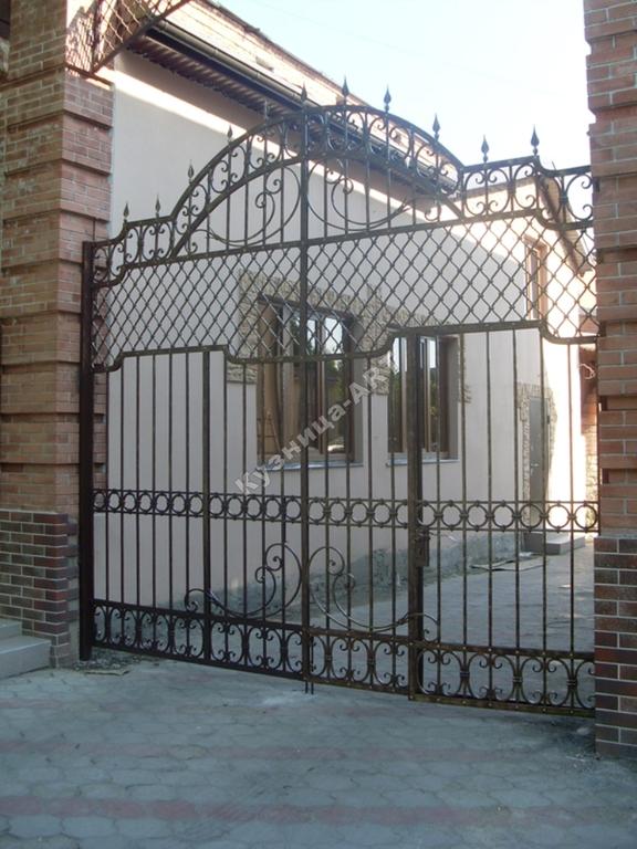"""Кованые ворота с французской сеткой """"прозрачные"""""""