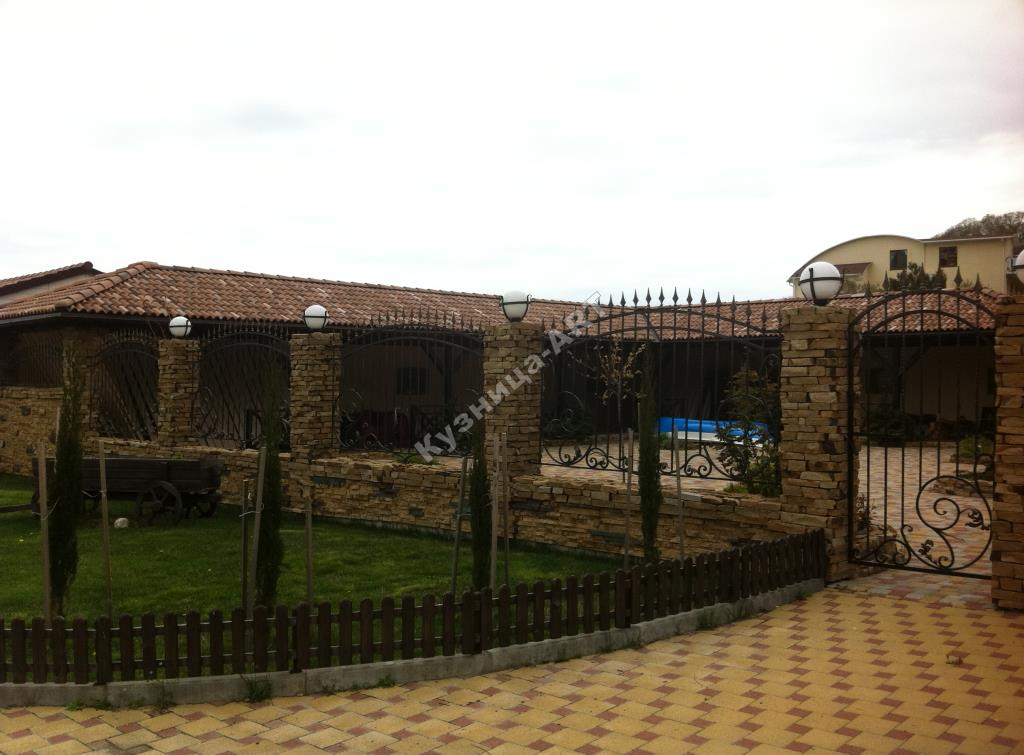 Кованый забор, ворота и калитка