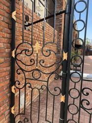 Кованые ворота в французском стиле