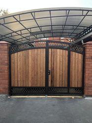 Кованые ворота с встроенной калиткой